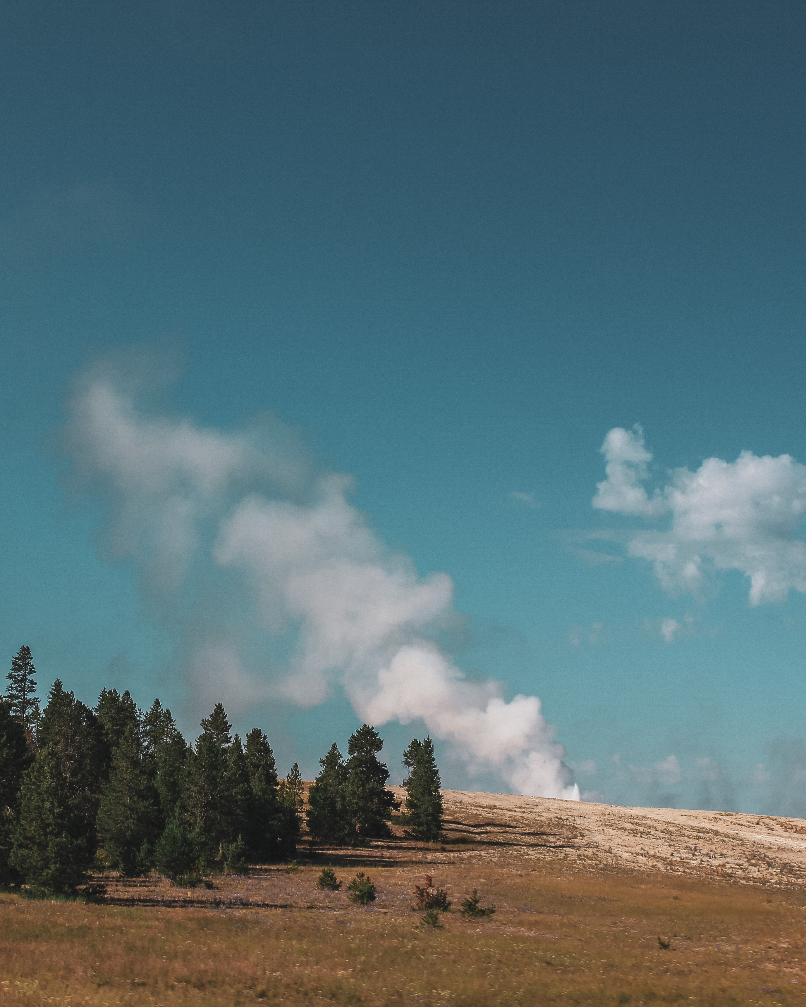 geyser Yellowstone itinerary 3 days